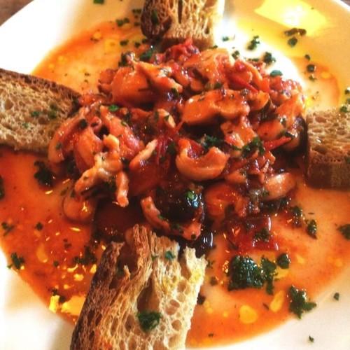 Cena vegetale al Porto Fluviale o cena tra amici questa sera da Litro? Prima c'è l'Aperlitivo di Apartment Bar