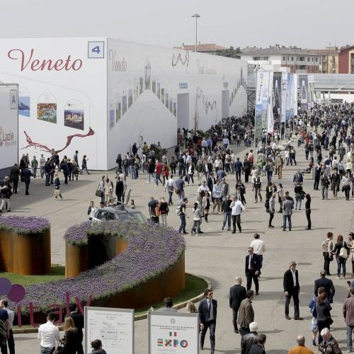 Cosa fare al Vinitaly 2015, dieci vini da assaggiare (e poi degustazioni, convegni e cene)