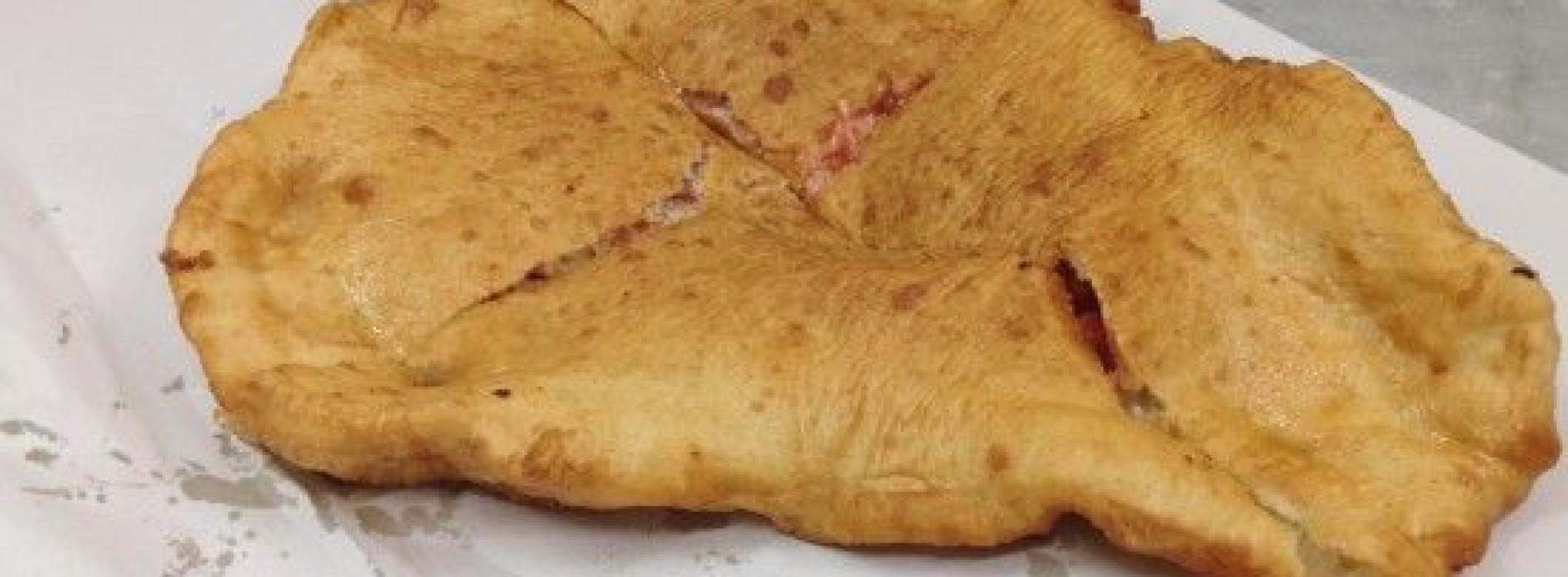 Le migliori pizze fritte di Napoli: da Fernanda a Pellone, da Masardona a Concettina ai Tre Santi