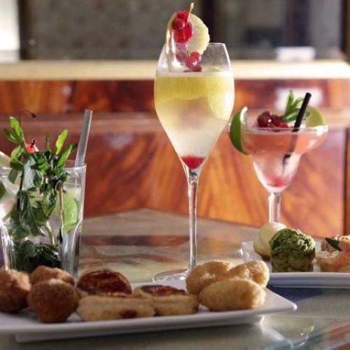 Spezie da Slow Food Roma e il Vino del Papa questa sera a Casa Mangiacotti. Al Gran Caffè serata vegan