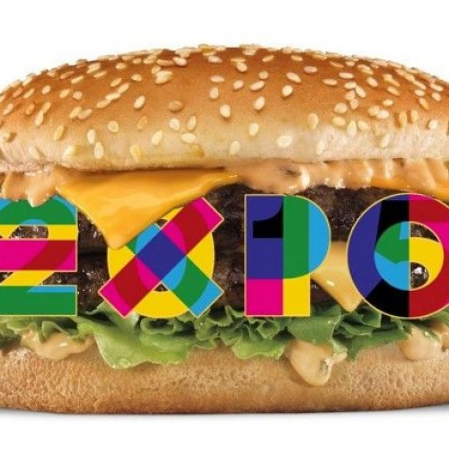 """I 5 stelle contro McDonald's: """"Fuori da Expo, offende la pizza"""""""