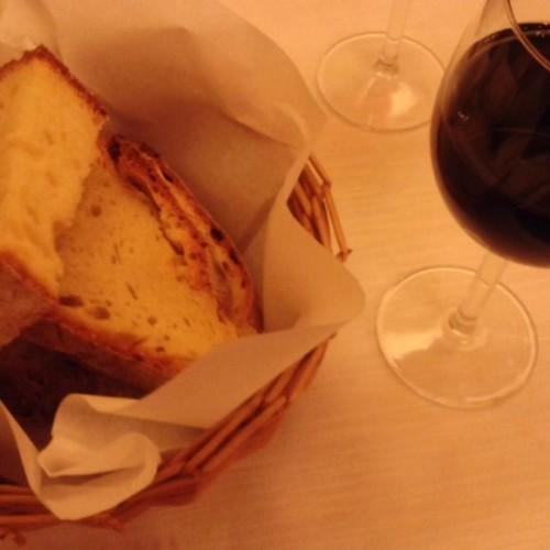 Osteria della Pasta e Fagioli a Milano, cime di rapa pugliesi e filetto di cavallo alla brace