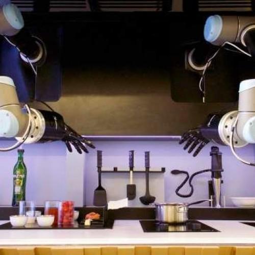 Il Robot-chef che soffrigge e spadella come un vero cuoco stellato (e si comanda con un'app)