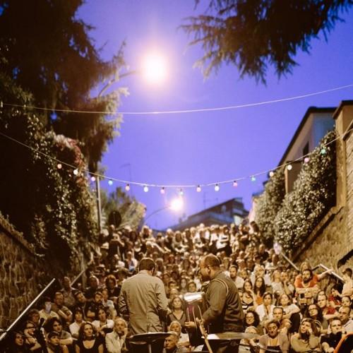 Musica da Gradino a Roma, jazz swing e street food sulle scalette di Città Giardino a Montesacro