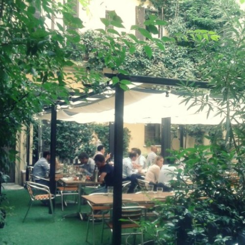 Lovster & Co a Milano: a pranzo e cena lobster roll e astice in salsa italiana