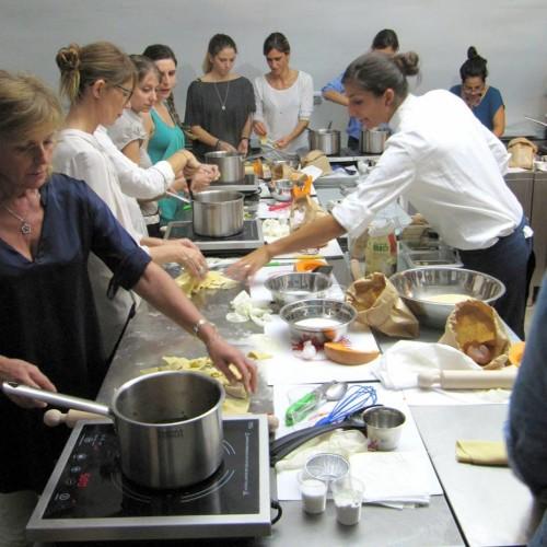 Corsi di cucina Roma, corsi di vino Roma: avete partecipato a uno dei corsi della Food&Wine Academy Puntarella Rossa? Diteci cosa ne pensate