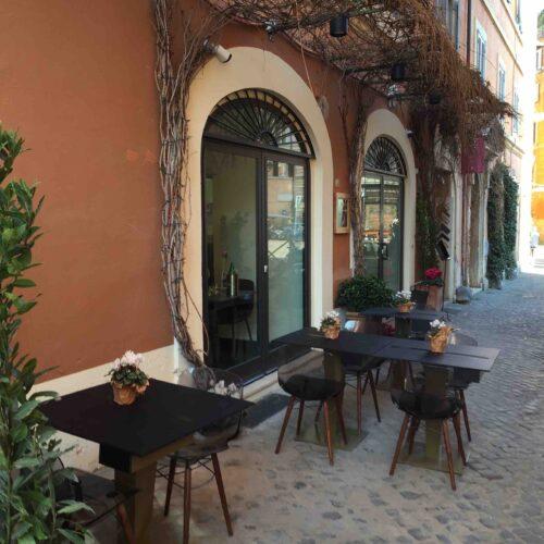 Dehors a Roma, la Raggi li aumenta del 35 per cento con autocertificazione