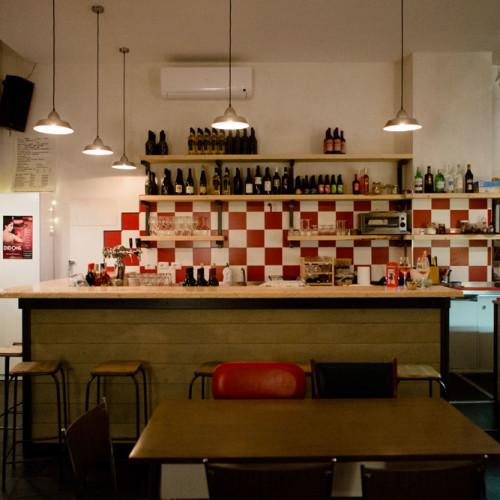 Caffè sospeso a Roma, al Pigneto: ombrette e caffè con la moka (gratis)