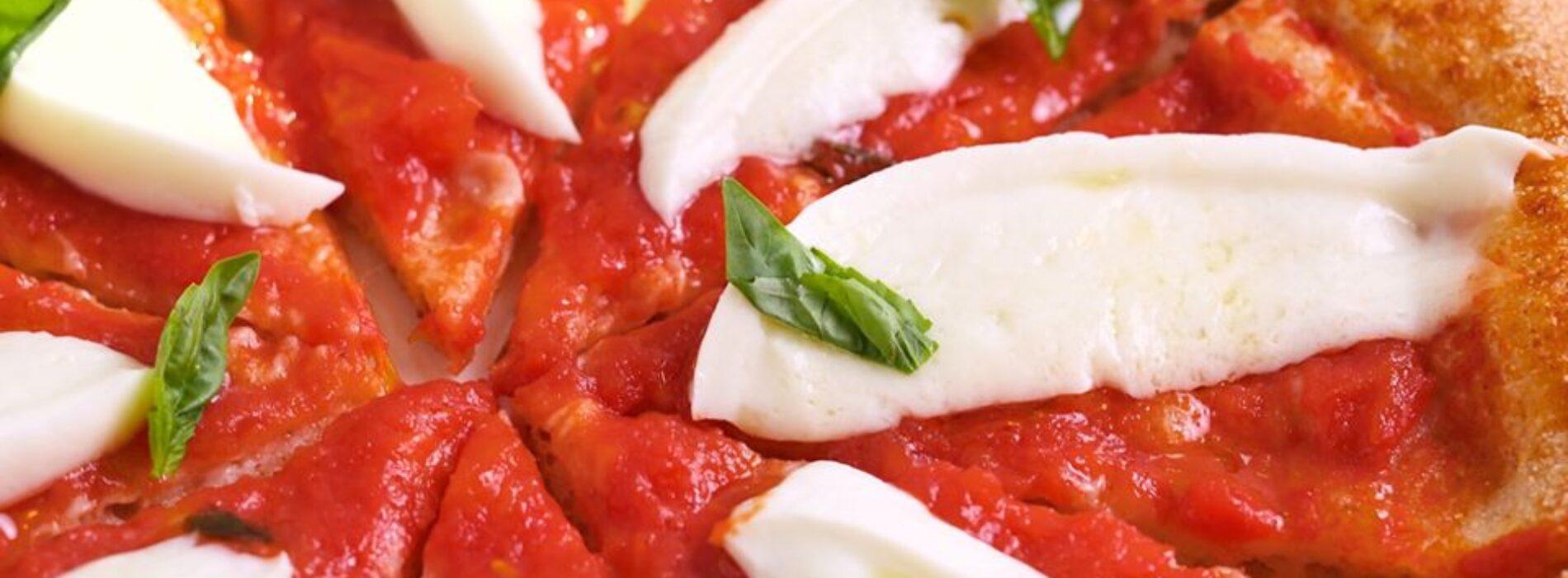 Le migliori pizzerie di Roma: i locali dove mangiare pizza tradizionale e gourmet (alta o scrocchiarella)