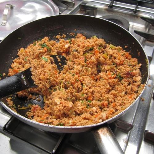 Cous cous integrale con triglia in guazzetto ricetta veloce