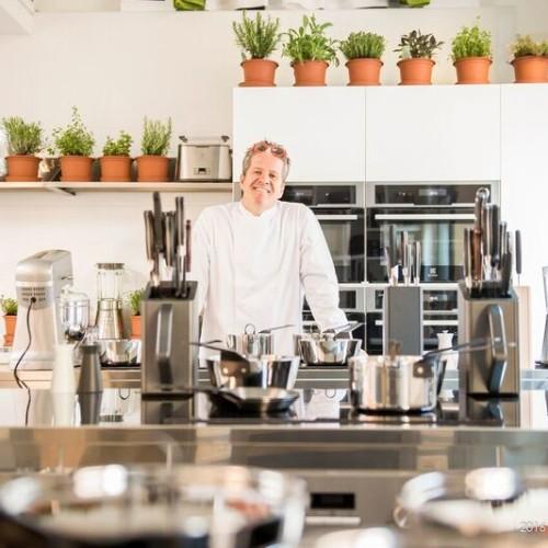 Knam Experience – Cooking Class. Apre la scuola del pasticcere più noto della tv