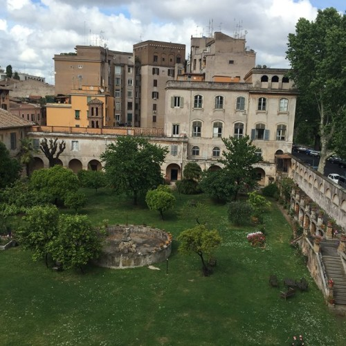 H Eitch / Ripa a Roma, dall'aperitivo a tardi nei giardini di donna Olimpia