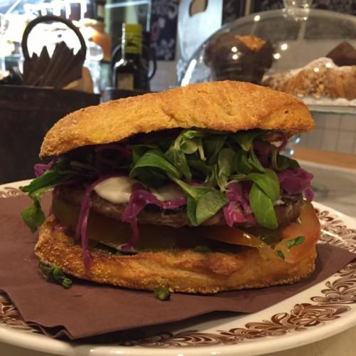 Mammò Roma, pastrami come in America e salumi della Tuscia nel nuovo street food di Trastevere