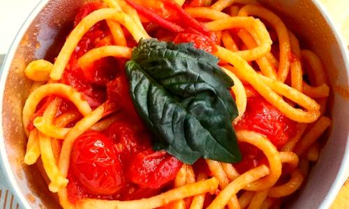 'O Macarò Napoli, il primo italian pasta fast food (anche a domicilio)