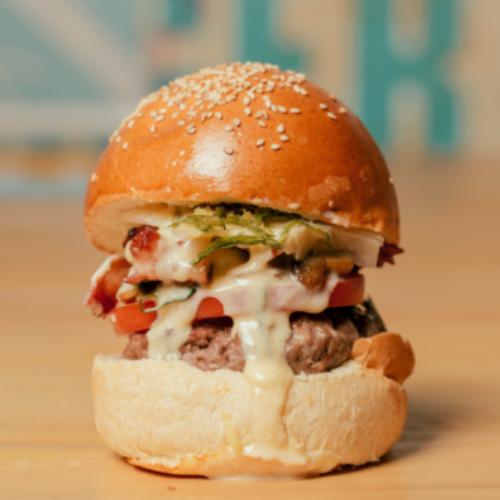 Lelena Burger & Co Napoli, hamburger gourmet col bollino giallo
