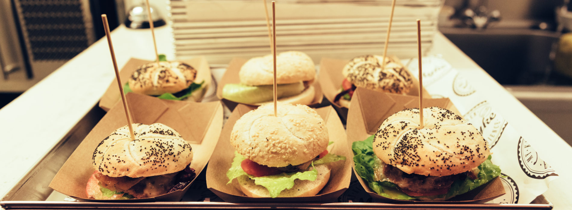 Fish and Burger Bar Milano, l'hamburgeria Myke arriva all'Isola