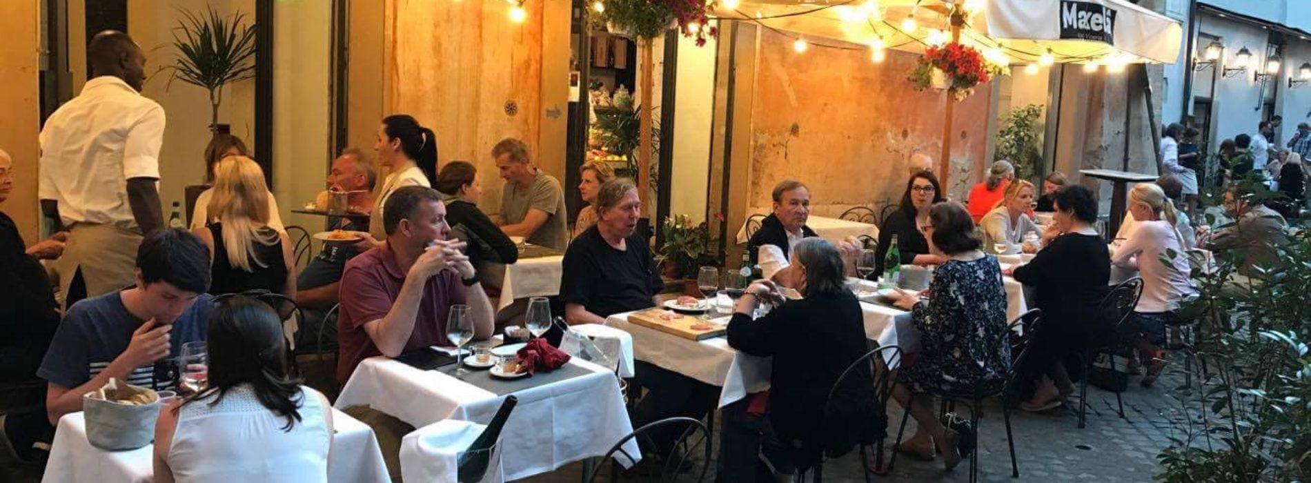 Mangiare all\'aperto a Roma in centro, i migliori ristoranti con ...