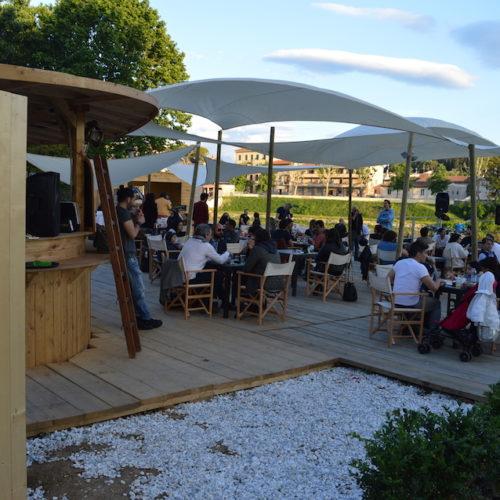 Aperitivi all'aperto Firenze estate 2017: dieci locali per bere e mangiare tra giardini e lungarni