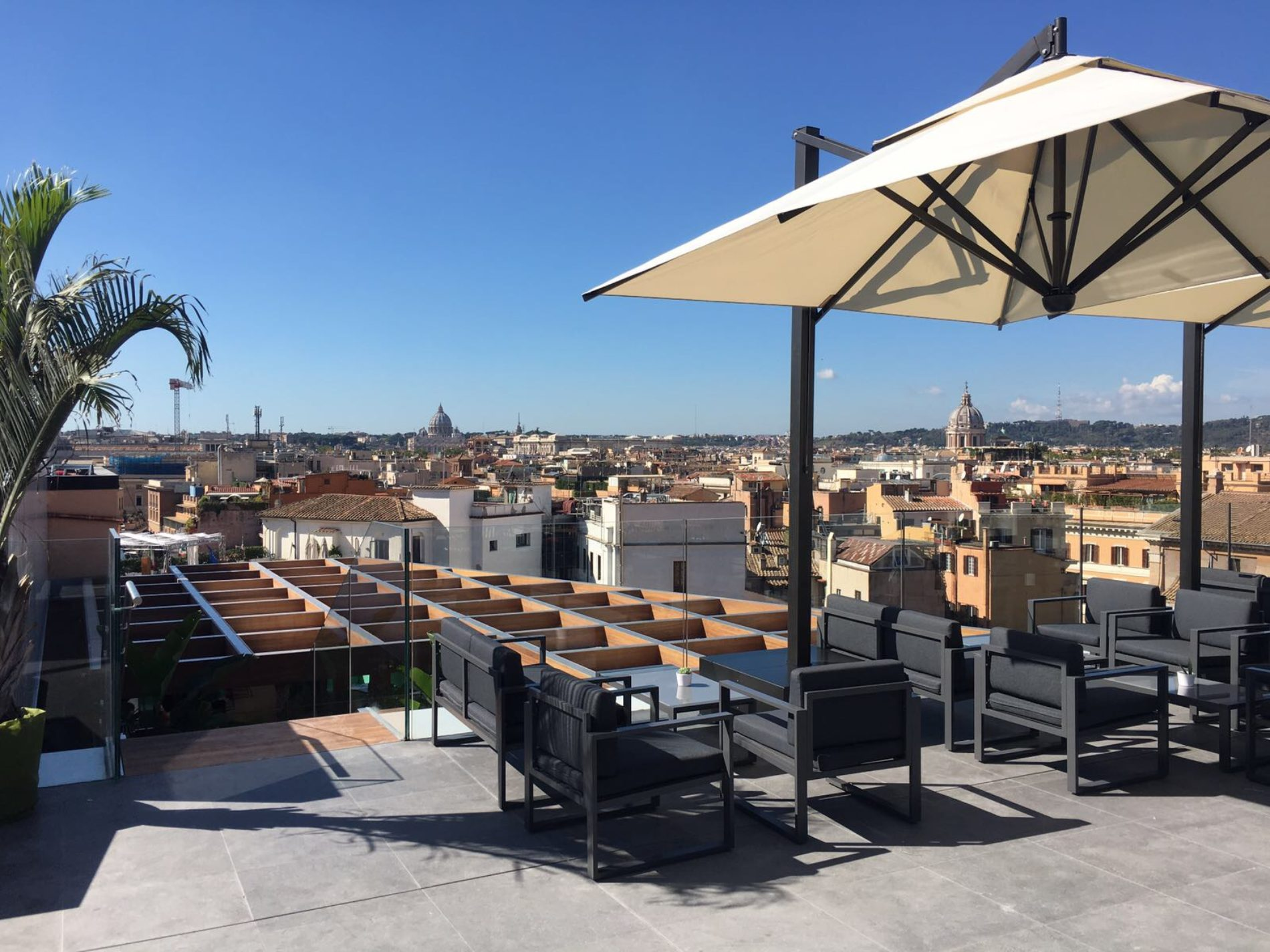 Rinascente roma madeiterraneo restaurant e up sunset bar for Inaugurazione rinascente roma