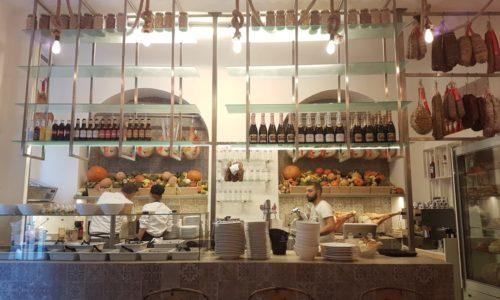La bottega di Lomi Milano, gastronomia con cucina dall'ambiente familiare in zona Magenta