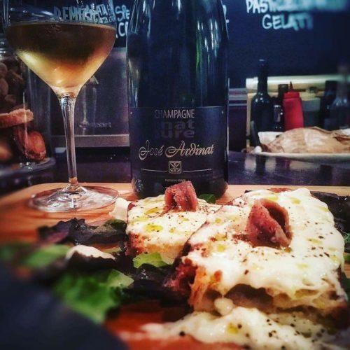 Remigio Roma, i dieci anni del bistrot con vini e champagne