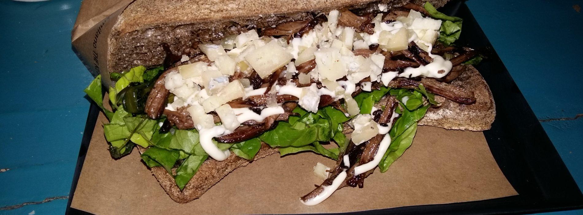 Babek Milano, il kebab all'italiana alle Colonne di San Lorenzo