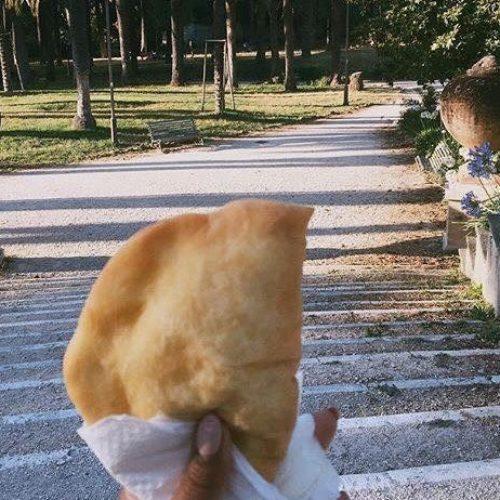 Nonna Lia panzerotti a Roma lancia il pic nic ecofriendly a Ostiense e a due passi da Villa Ada