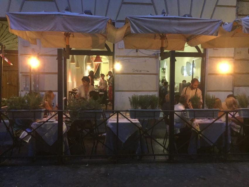 Dove mangiare pesce all 39 aperto a roma i migliori for Dove ha sede il parlamento italiano