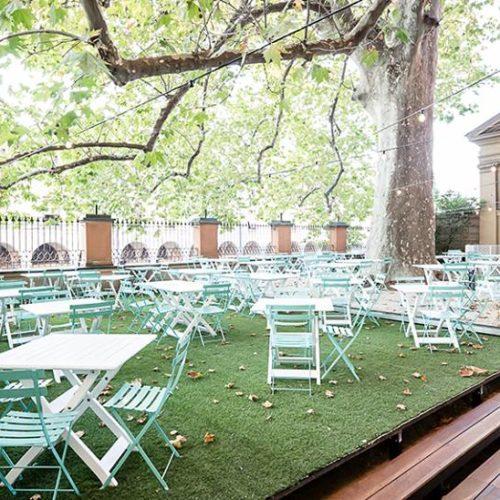 Mangiare all'aperto a Bologna, i migliori ristoranti tra giardini e terrazze in città e per i colli