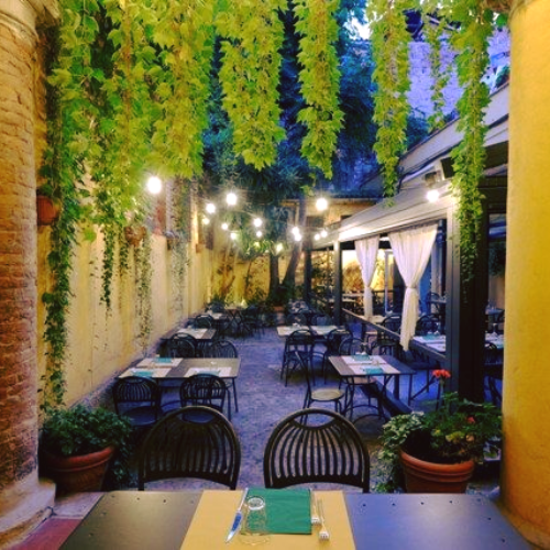 Trattoria Pane e Panelle Bologna, un bel giardino e l'estro in cucina dello chef Luca Pappalardo