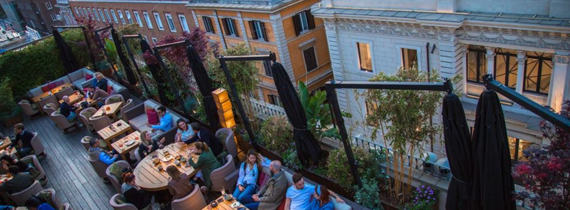 Where to eat fresh fish seated outside in Rome, the best restaurants