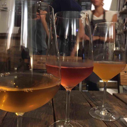 Vinoir Milano, la prima enoteca con vini naturali che ora è anche bistrot