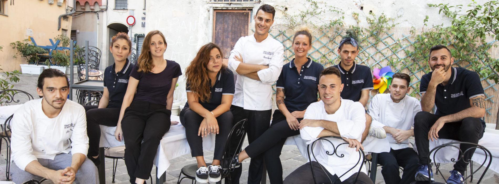 Trattoria dell'Acciughetta Genova, resistenza in via Prè con lo chef Vesuviano tra polpo fritto e gelato all'acciuga