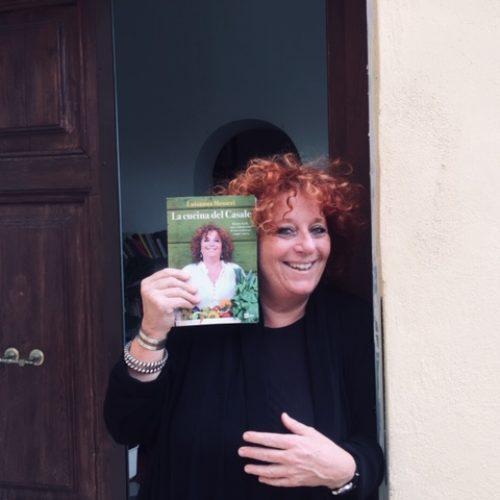 """La cucina del Casale, il nuovo libro di Luisanna Messeri contro gli """"chef da baldacchino"""""""