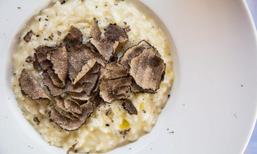 Dove mangiare tartufi a Roma e Milano e alle sagre, adesso che i prezzi sono dimezzati