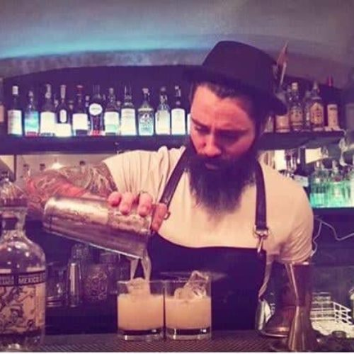 Rude a Roma, distillati e drink nello streetbar a Centocelle