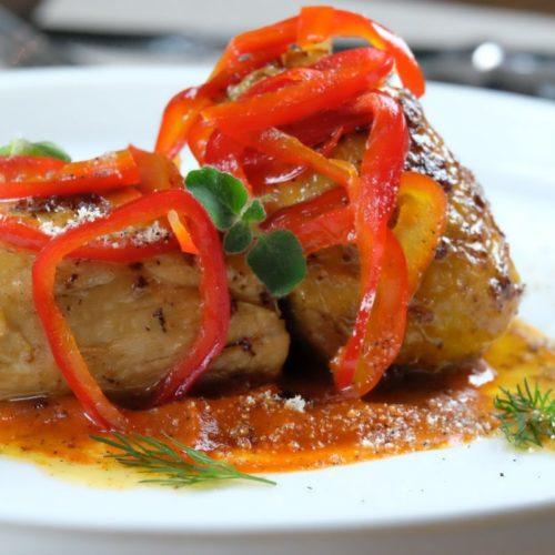 Vittorio spezie & cucina Roma, sali coloniali e pollo coi peperoni nel ristorante all'Esquilino