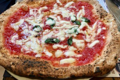 Lievito Madre Roma, Gino Sorbillo ci guida nella nuova pizzeria di Augusto Imperatore (menu e prezzi)