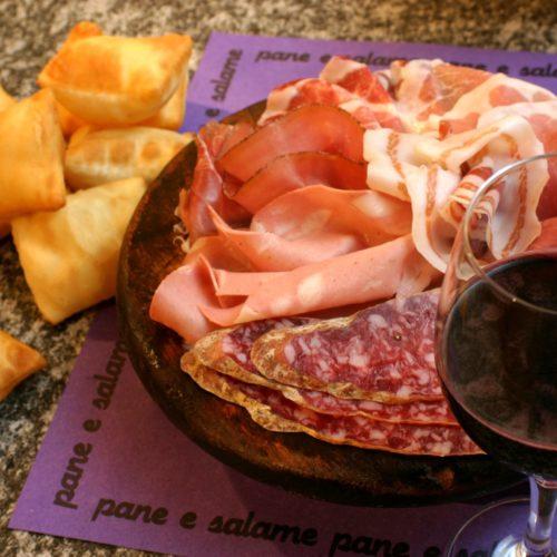 Il vino più venduto in Italia nei supermercati è il Lambrusco, ma è boom del Lugana