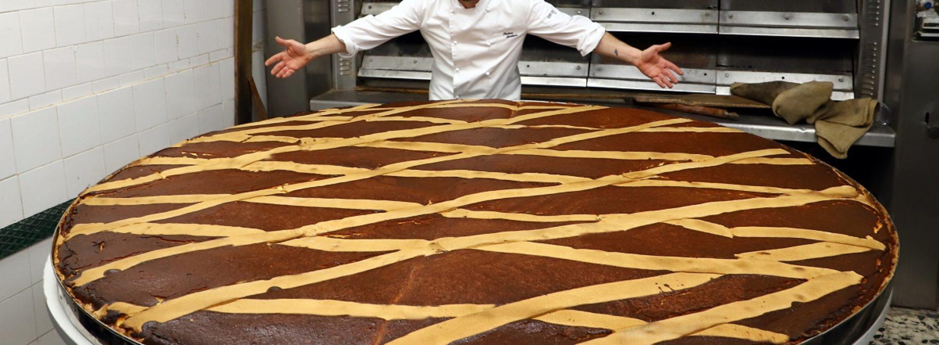 La pastiera più grande del mondo per Pasqua 2019 al Gran Caffè Gambrinus di Napoli
