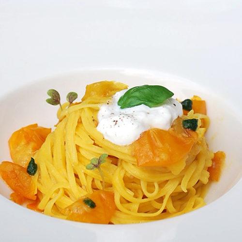 Particolare Milano, ristorante mediterraneo con dehors d'eccezione