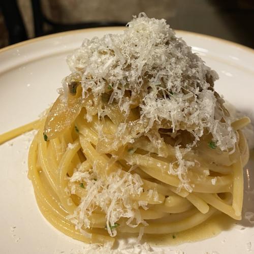 Spaghetto quadro alla Poraccia, la ricetta di Immorale Milano