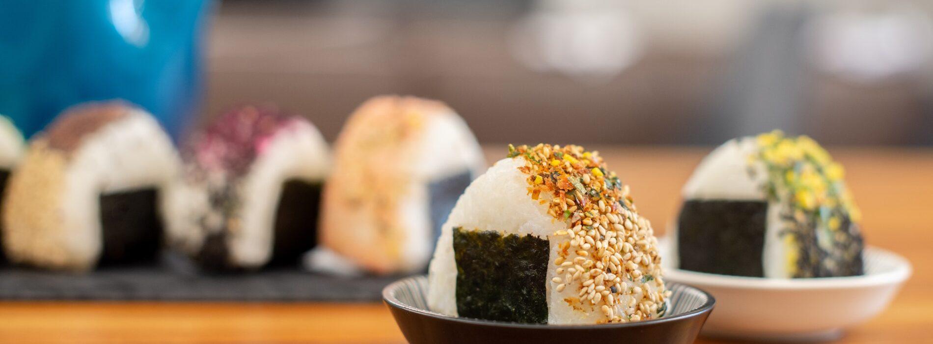 Onigiri a Milano, dove mangiare le tipiche polpette di riso giapponesi