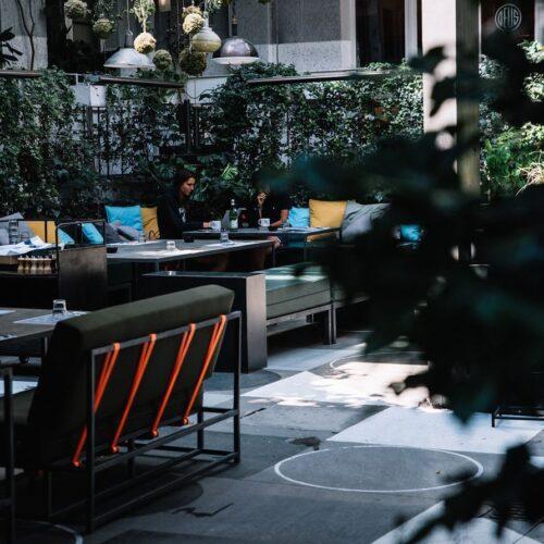 Pausa pranzo a Milano, dieci ristoranti con giardini e dehors