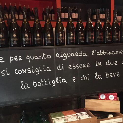 In fuga da San Valentino: ho chiesto a 5 enoteche di Roma consigli sul vino (per bere anche da solo)