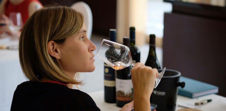 Corso sul vino maggio 2021, gli incontri e degustazioni su Zoom di Puntarella Rossa e Stappato