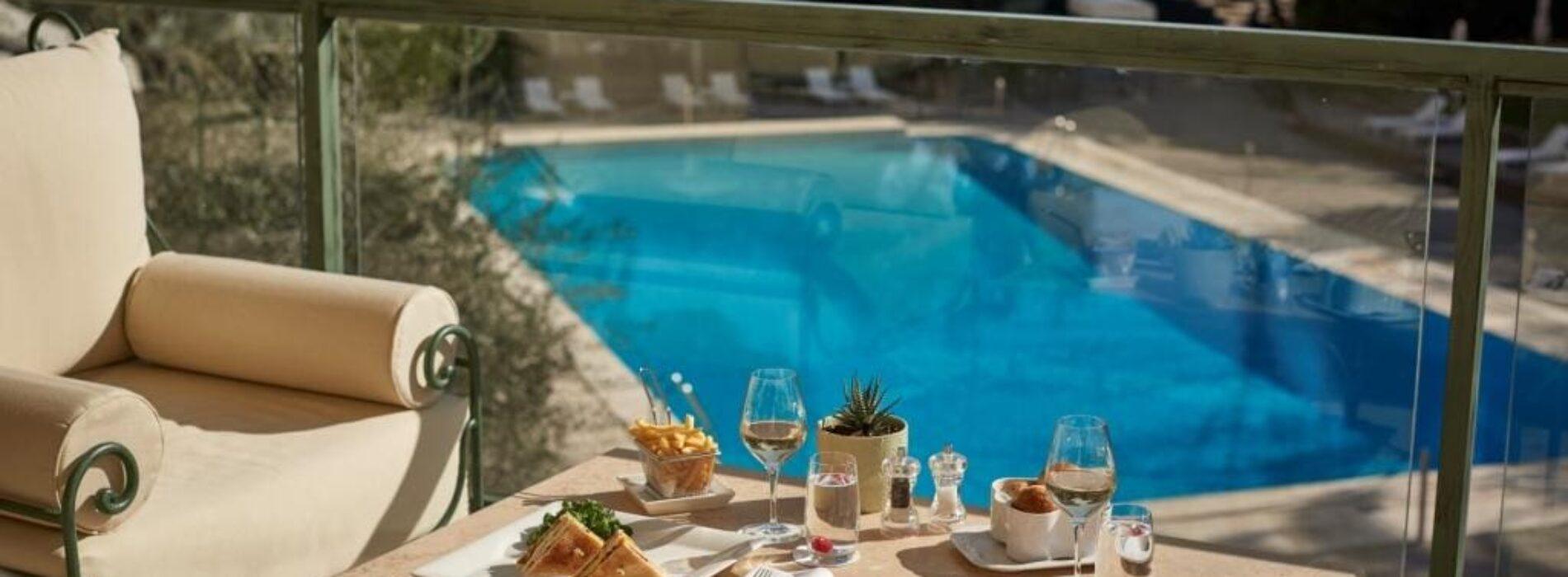 Ristoranti con piscina a Roma e dintorni: relax a bordo vasca per chi resta in città