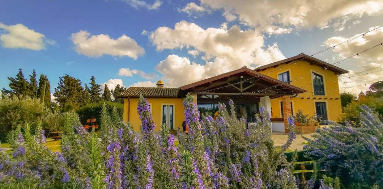 Erba Regina: a Frascati un agriturismo di campagna con cucinafitoalimurgica, erbe aromatiche e ospitalità