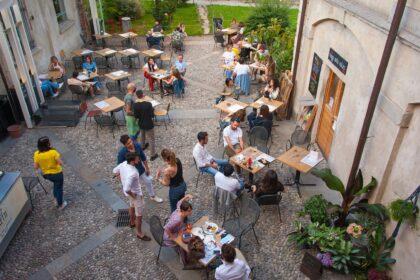Ristoranti aperti a Milano agosto 2021, compresi colazioni, winebar e pizzerie