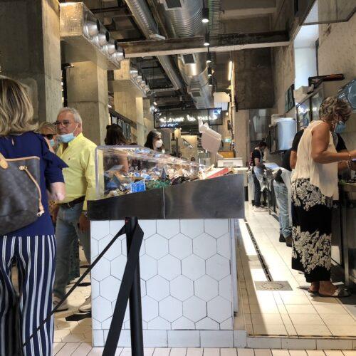 Mercato Centrale di Milano, cosa si mangia e perché andare nell'enorme spazio gastronomico